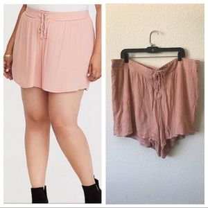 Torrid blush pink flowy shorts